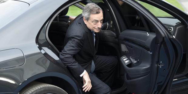 USA by mali podporovať ECB a vyvíjať tlak na Nemecko, aby stimulovalo svoju ekonomiku