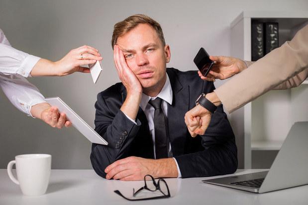 Postavme sa  workoholizmu: Menej hodín v práci neznamená slabší výkon, dokazuje to aj história