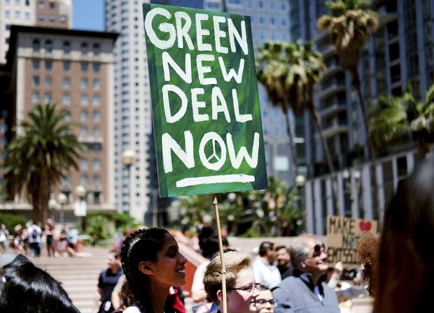 Stiglitz za zelenšiu budúcnosť: Z boja proti klimatickým zmenám by mohla ekonomika ťažiť