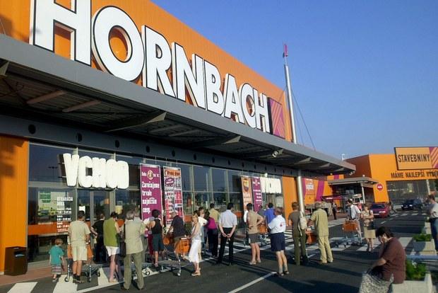 Hornbach začína posielať, jeho e-shop má od 40 eur dopravu zadarmo
