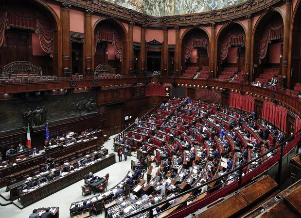 Talianski populisti plnia sľuby: Základný garantovaný príjem 780 eur aj skorší odchod do dôchodku