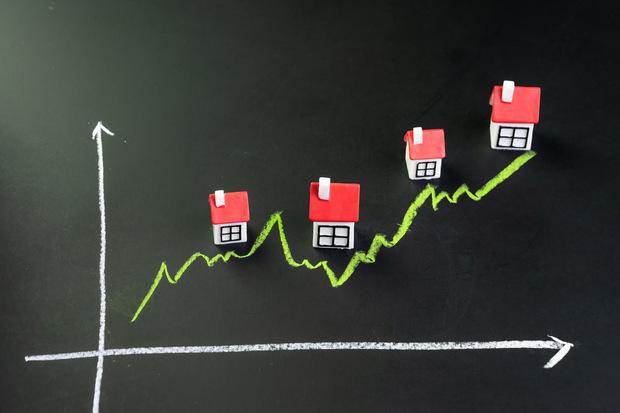 Kúpa investičného bytu alebo investícia do realitného fondu: Čo sa viac oplatí?