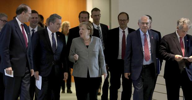 Olej do ohňa ekonomickej krízy: Vypukla obchodná vojna cez Atlantik