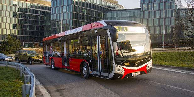 Prvý elektrobus dodaný do vozidlového parku DPB