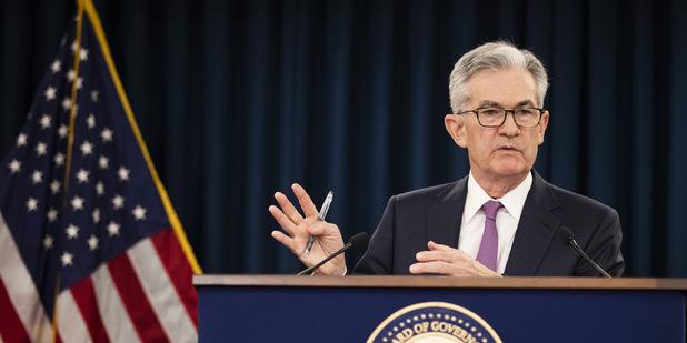 Holubičí Fed otvára dvere zníženiu sadzieb: Cena zlata prudko stúpa, atakuje päťročnú úroveň