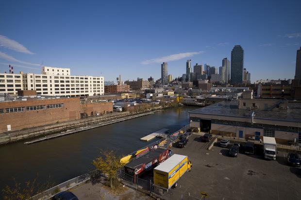 Prehodnotí Amazon svoje zbohom New Yorku?